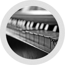 piano lessons round bw
